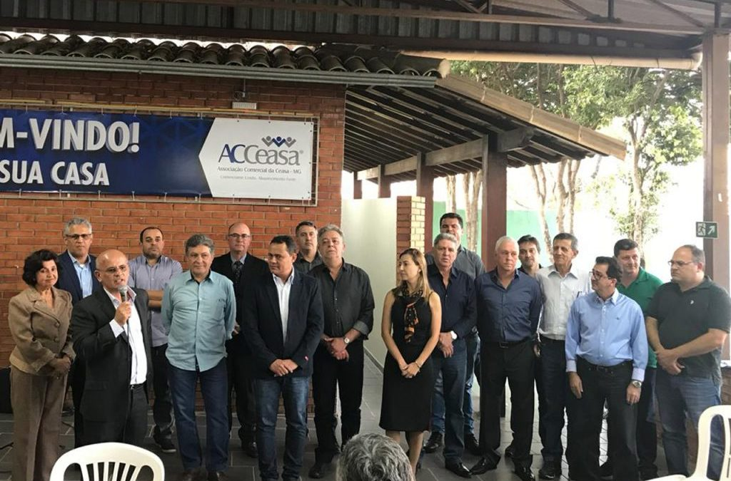 Conselho de Administração e diretoria executiva da ACCeasa comemoram posse em coquetel