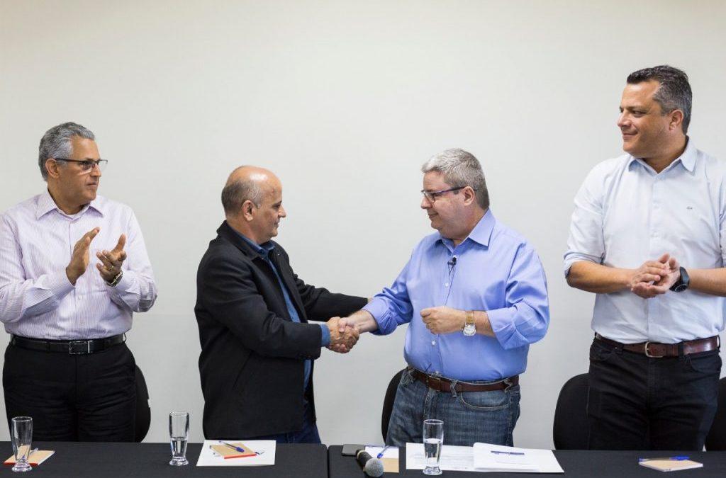 ACCeasa recebe o senador Antônio Anastasia, candidato ao governo do Estado
